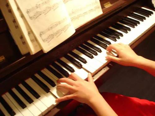 弹钢琴指法练习