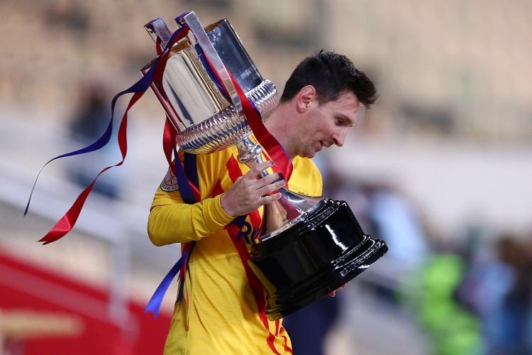梅西:亲手举起国王杯感觉很特别 对联赛争冠意义重大